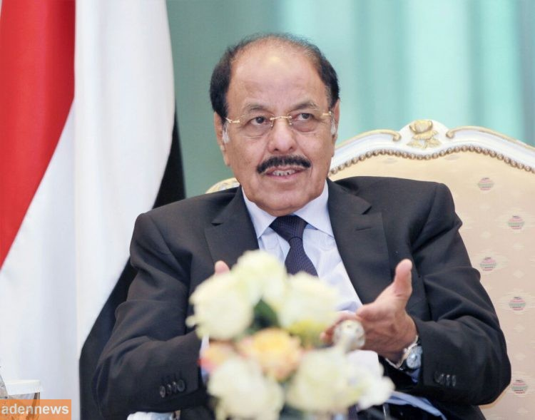 """نائب رئيس الجمهورية """"علي محسن"""" يعزي الإمارات في استشهاد طيارين باليمن"""
