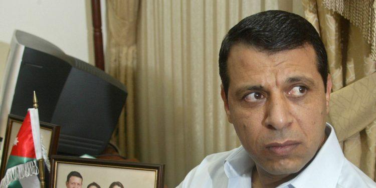 """هام…""""من الفساد إلى العمالة إلى تهريب السلاح""""… تعرف على رجل """"الثورة المضادة"""" في العالم العربي"""
