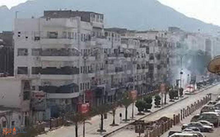 اندلاع اشتباكات عنيفة بين مسؤول امني وعدد من الجنود في منطقة المعلا بعدن