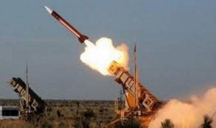 مليشيات الحوثي تطلق صاروخ باليستي شمال العاصمة صنعاء