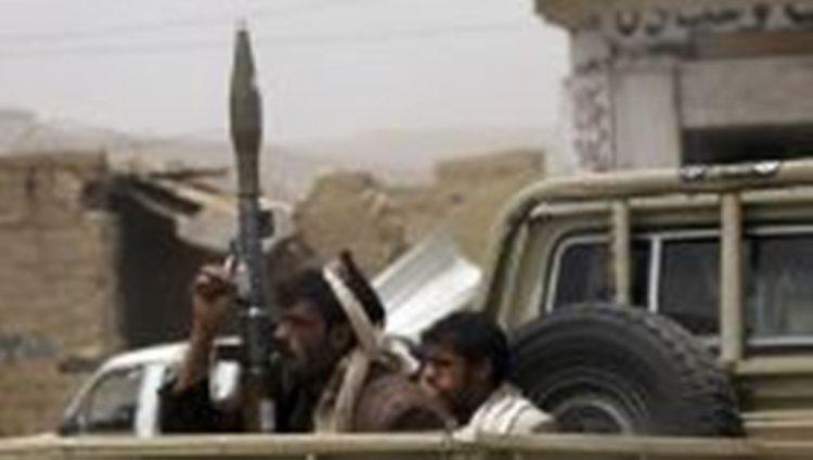 مليشيا الحوثي تقوم بمداهمة احدى مناطق محافظة عمران بعشرات الاطقم على خلفية احراق ملزمة طائفية