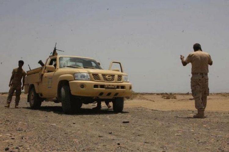 قوات الحزام الامني في لحج تحتجز قيادات عسكرية وتمنعهم من المرور الى عدن