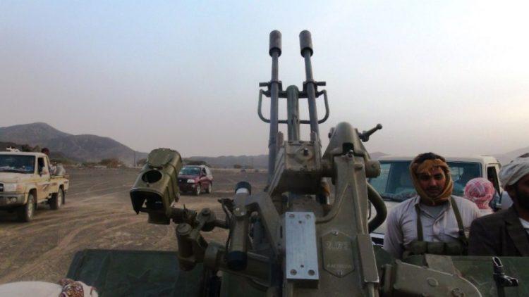 اندلاع مواجهات عنيفة بين مليشيا الحوثي وقبائل ال عوض بعد طرد مشرفهم الحوثي في محافظة البيضاء