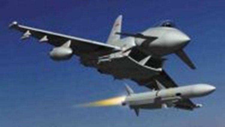 طيران التحالف العربي يعاود شن غاراته على مواقع الانقلابيين في تعز
