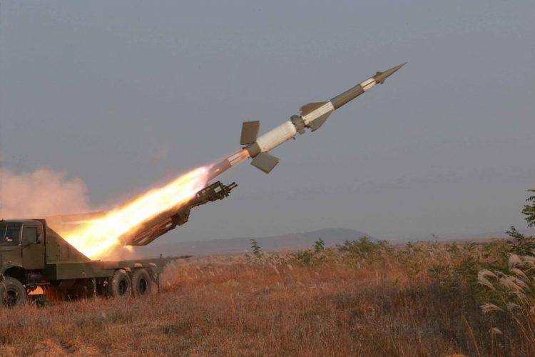 عاجل.. الحوثيون يهددون أبوظبي باستهدافها مباشرة بالصواريخ الباليستية