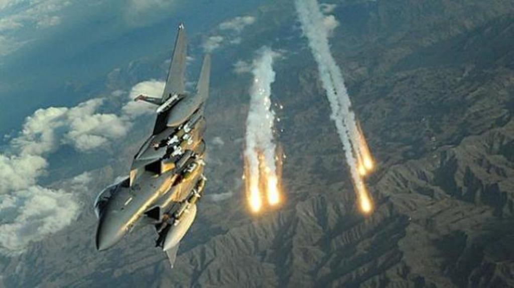 طيران التحالف العربي يشن غارات على القاعدة الجوية بالعاصمة صنعاء