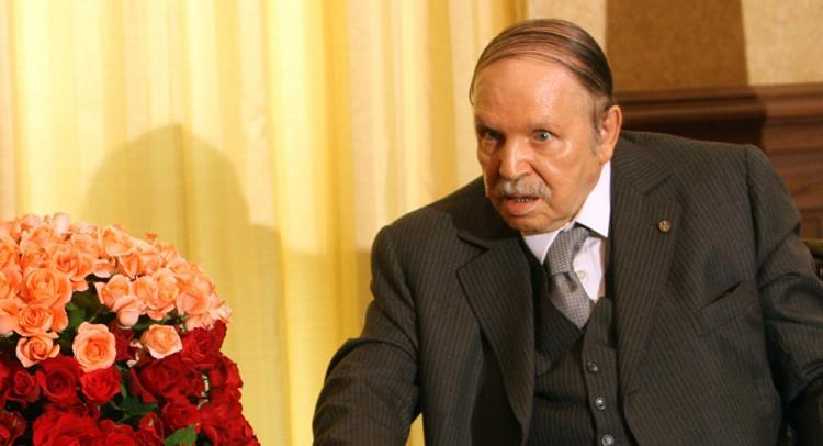 """مقرب من """"بوتفليقة"""" يكشف نيته الترشح لفترة رئاسية خامسة والرئاسة تنفي في بيان لها"""