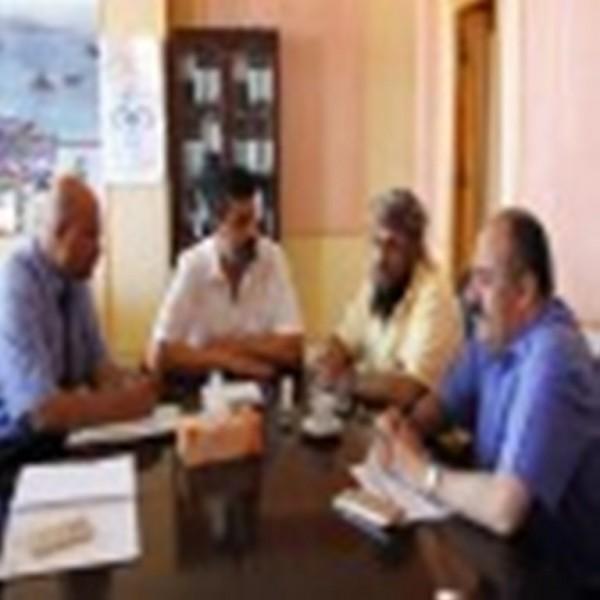 اجتماع برئاسة القائم بأعمال محافظ عدن يناقش الحالة التموينية لمحطات الكهرباء بعدن