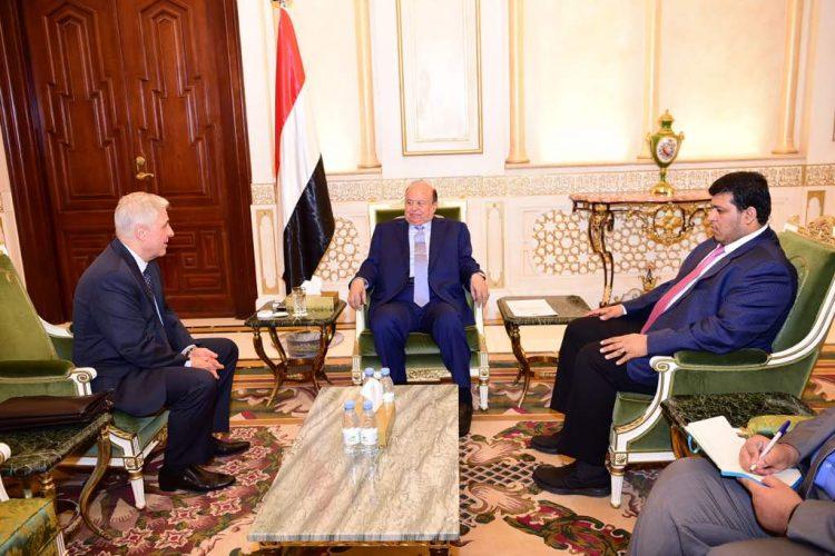 ماذا جرى في لقاء الرئيس هادي مع السفير الروسي لدى اليمن اليوم