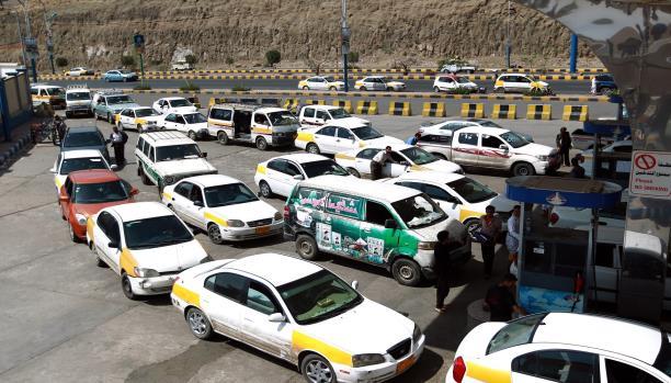 تجار اليمن يستغلون اغلاق المنافذ لرفع الاسعار، وهلع كبير في الاسواق اليمنية