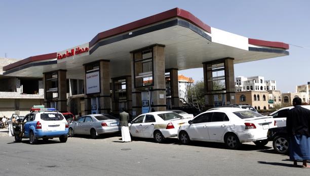 اقتراب المواجهات المسلحة يرعب مليشيا الانقلاب في صنعاء
