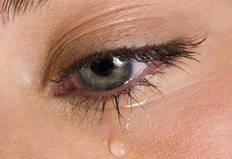 بكي خمس مرات خلال هذا العام… من هو الرئيس العربي الذي يحرص على البكاء أمام الكاميرات؟ .. صورة