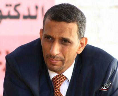 صحفي يمني يكشف: تفجير عدن لإفشال الحكومة الشرعية واخضاعها لمطالب الامارات