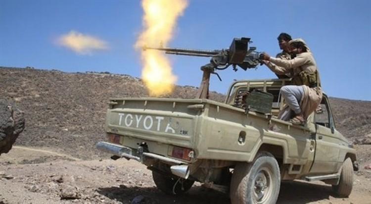 المقاومة الشعبية في محافظة البيضاء تستعيد مواقع في مديريتي الزاهر وذي ناعم