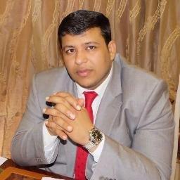 العليمي يشيد بحضرموت ودورها الريادي في لم شتات اليمنيين
