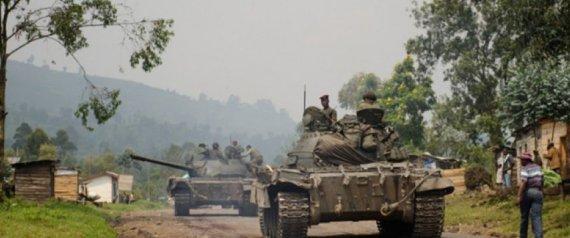 بوادر انقلاب عسكري على أكبر رؤساء العالم.. دبابات الجيش تتحرك لمحاصرة الرجل الذي يحكم منذ 37 عاماً