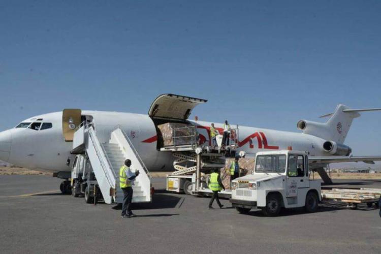 طائرات تابعة للأمم المتحدة والصليب الاحمر تهبط في صنعاء لأول مرة منذ الحظر الذي فرضه التحالف