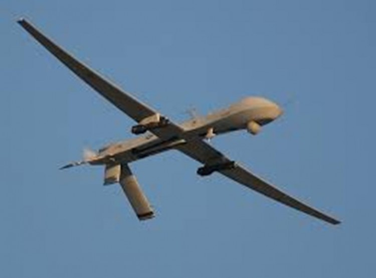 مصرع 3 من عناصر تنظيم القاعدة بغارة شنتها طائرة أمريكية من دون طيار في محافظة شبوة