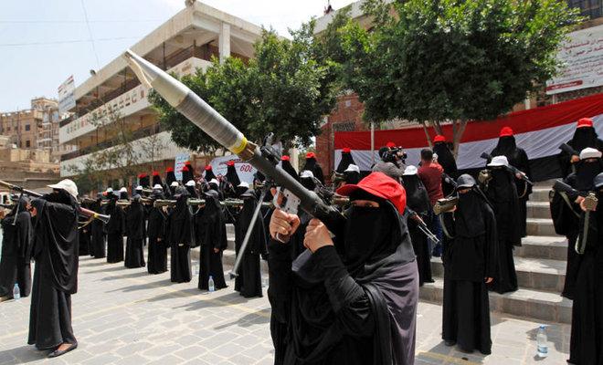بالارقام.. احصائية تقدر عدد النساء المجندات مع مليشيات الحوثي