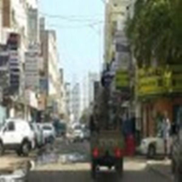 الانفجار الذي هز مدينة عدن كان ناتج عن انفجار قنبلة صوتية عقب اشتباكات بين مسلحين في المنصورة