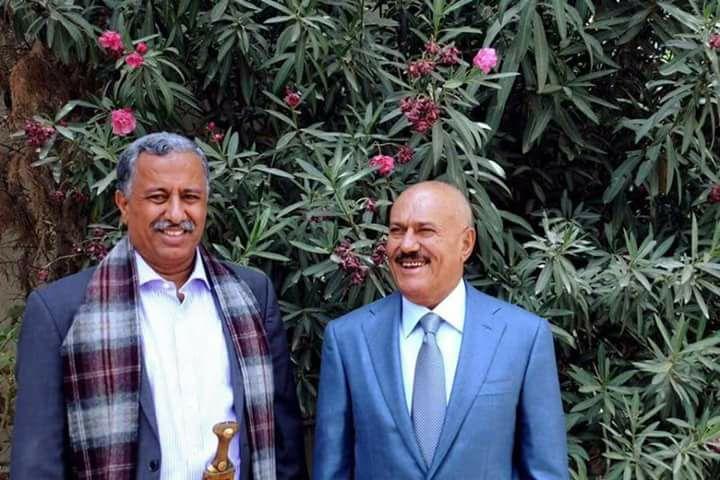 جماعة الحوثي تسلم جثمان أمين عام حزب المؤتمر عارف الزوكا إلى ذويه بعد 4 أيام من مقتله