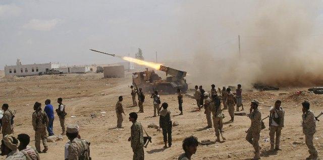 تطور نوعي في جبهات القتال.. قوات الجيش بالجوف تلتحم بالقوات بصعدة ومواقع المليشيات في مرمى المدفعية وقصف التحالف