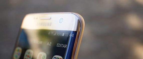 """سامسونغ تعتزم الكشف عن هاتف"""" S9 """"بعد إعلان آبل عن هاتف """"آيفون إكس"""" مباشرة"""
