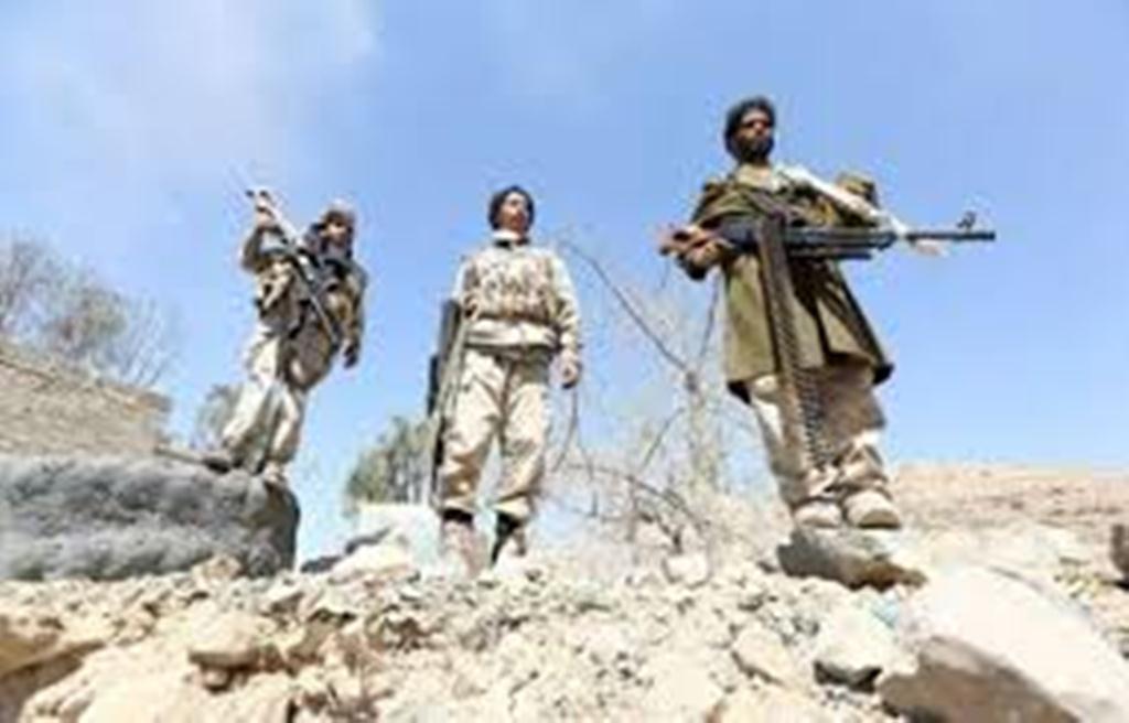 مليشيا الحوثي تقوم بتفجير عبارات الطريق الاسفلتي الذي يربط محافظتي البيضاء ولحج لوقف تقدم الجيش