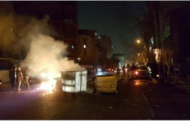 إيران تشتعل في أزمة هي أعمق من سعر الخبز والوقود.. تفاصيل