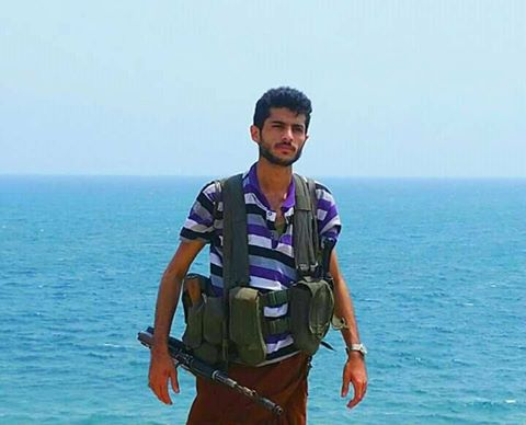"""شاهد بالصورة.. هذا هو القيادي الحوثي الذي لقي مصرعه بعد """" 2″ من اخوانه في معارك حيس الحديدة"""