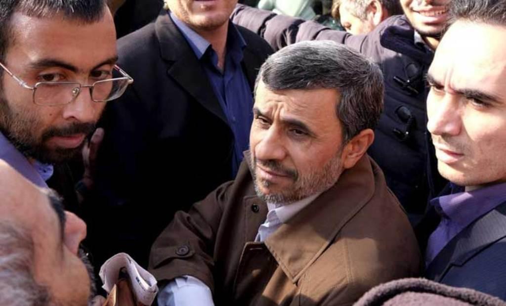 السلطات الإيرانية بموافقة من خامنئي تأمر بإعتقال الرئيس الإيراني الأسبق