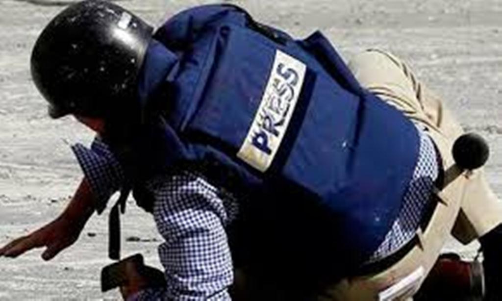 نقابة الصحفيين: 300 حالة إنتهاك طالت حرية الصحافة في اليمن عام 2017