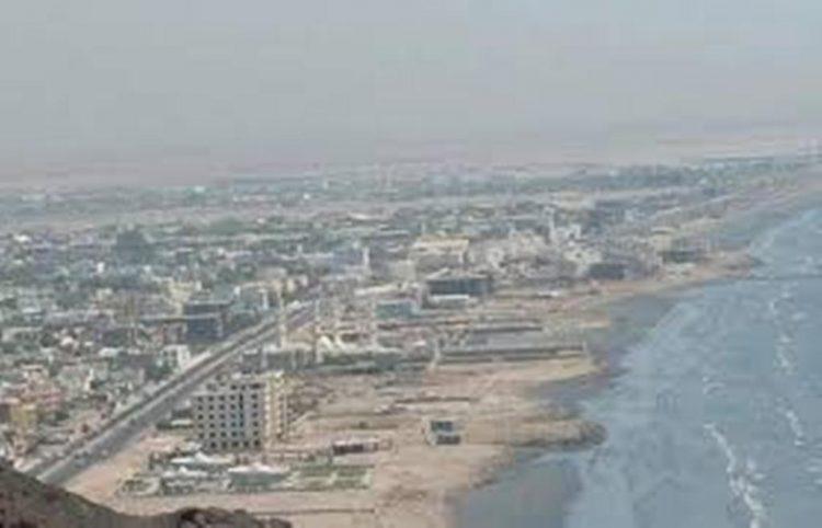 وفد سعودي رفيع المستوى يصل الى العاصمة المؤقتة عدن