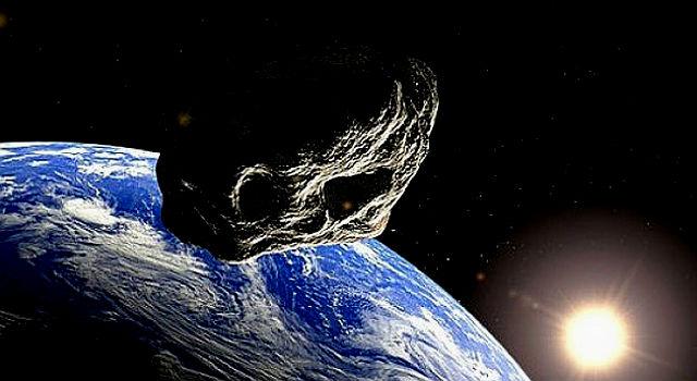 """""""كويكب"""" يقترب من الأرض بسرعة 34 كيلومترا في الثانية.. فهل يصطدم بها؟"""