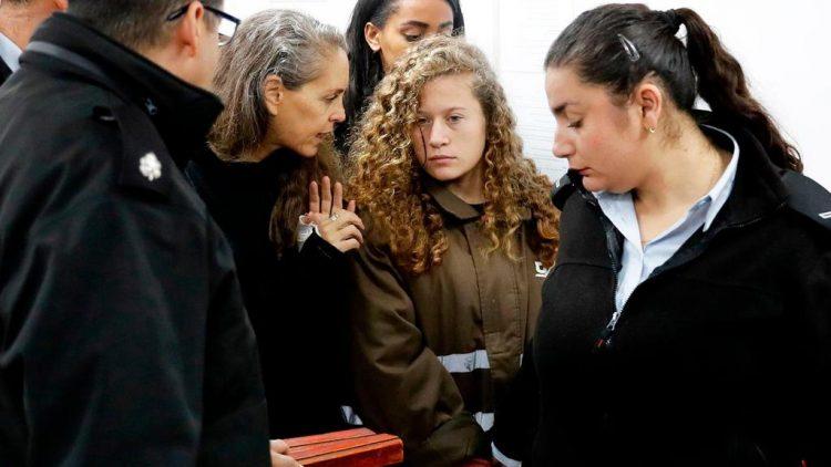 المحكمة العسكرية الصهيونية تمدد سجن الطفلة الفلسطينية عهد التميمي