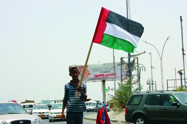 """وزير في حكومة الشرعية يشن هجوما على """"الامارات"""" ودورها المشبوه في اليمن"""