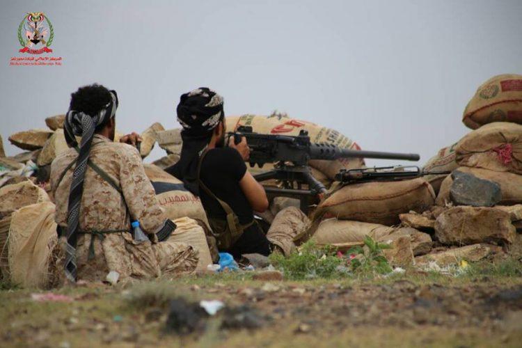 مواجهات عنيفة بين قوات الجيش الوطني ومليشيا الحوثي في محيط معسكر الدفاع الجوي بتعز