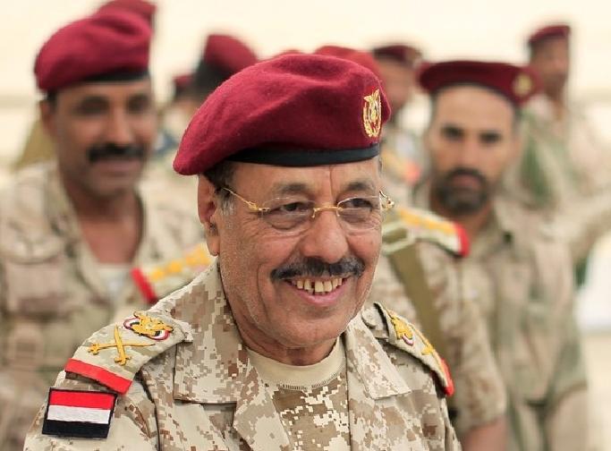 تفاصيل اتصال الفريق علي محسن باللواء يحيى صلاح بعد تحرير مديرية حيران بحجة