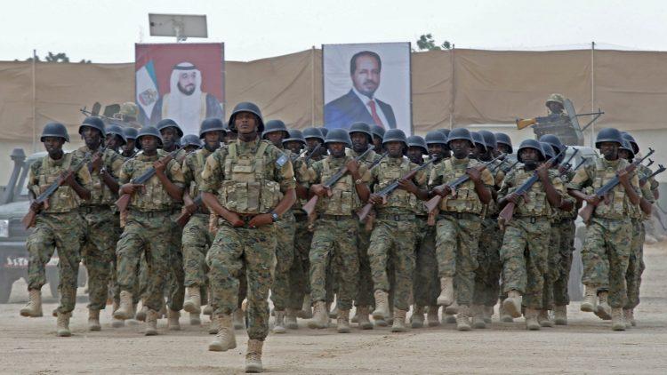 بعد احتجاز ضباط اماراتيين.. الامارات تتخذ هذا القرار الصادم للجيش الصومالي