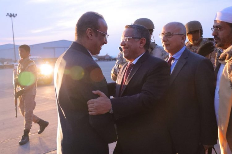 عودة الحكومة الى عدن… هل هي نتيجة لوساطة العرادة….أم تحدي للفوضى الاماراتية