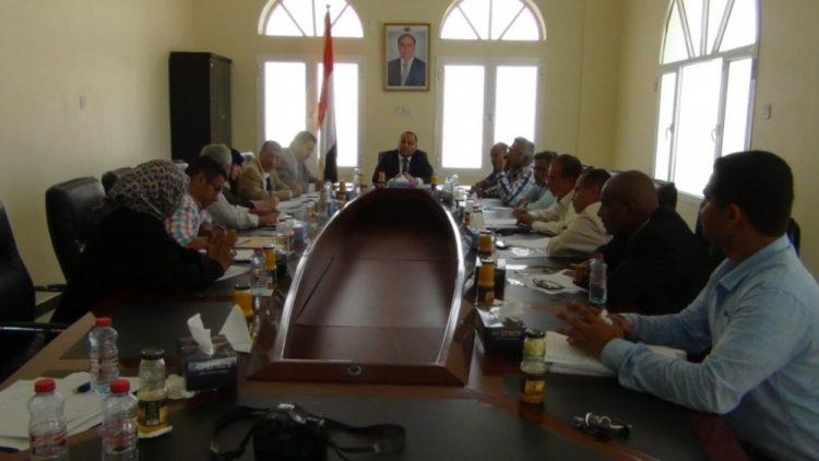 لجنة معالجة مشاكل أراضي المنطقة الحرة بعدن تعقد اجتماعها الأول