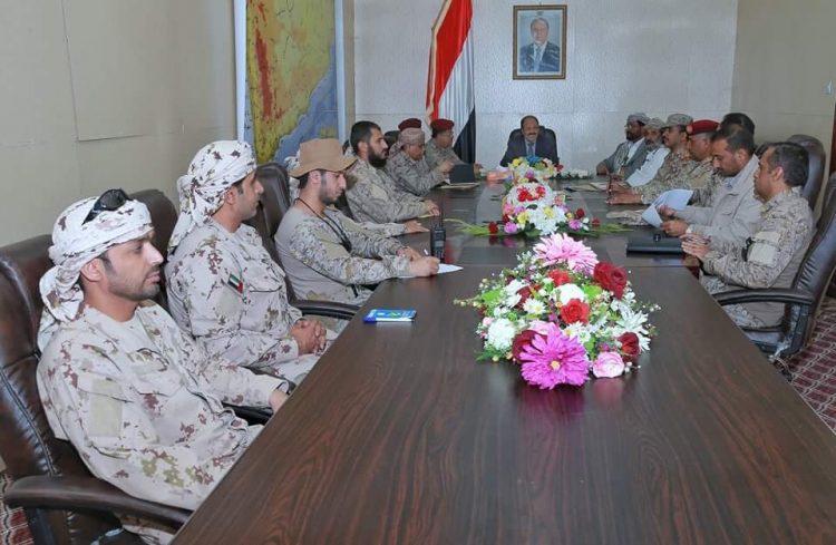 الفريق علي محسن يعقد اجتماعاً مع القيادة المشتركة للجيش الوطني والتحالف بمأرب