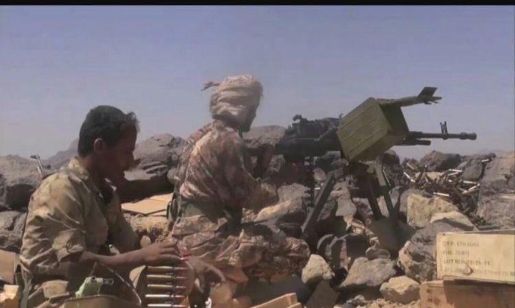 قوات الجيش تتقدم نحو مركز مديرية رازح في صعدة ومقتل قياديان حوثيان