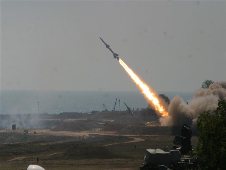 قوات الدفاع الجوي السعودي تعترض صاروخا باليستيا اطلقته المليشيات على جازان