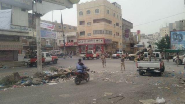 تعز: إشتباكات بين كتائب أبو العباس الخارجة عن القانون وأفراد من الشرطة العسكرية ومقتل إمراة