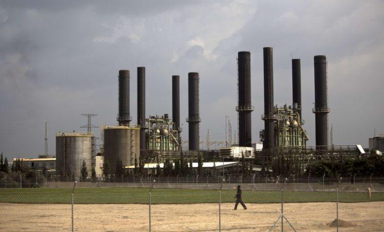 عدد من محطات الكهرباء في عدن تبدا بالخروج عن الخدمة بسبب نفاد الوقود