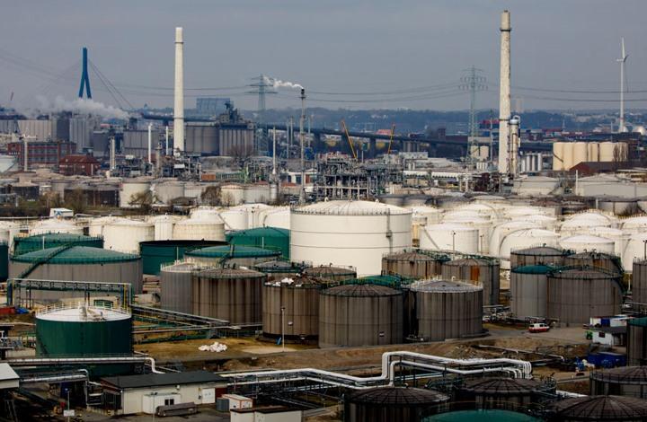 أسعار النفط تقفز متجاهلة زيادة الإنتاج.. وهذه هي الاسباب!