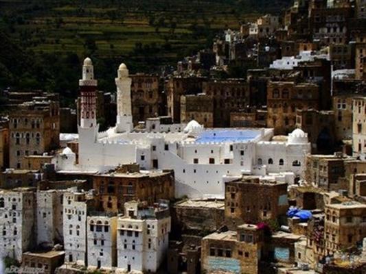 مليشيا الحوثي تقتحم مركز تحفيظ قران بجبلة وتحوله لمقر عسكري