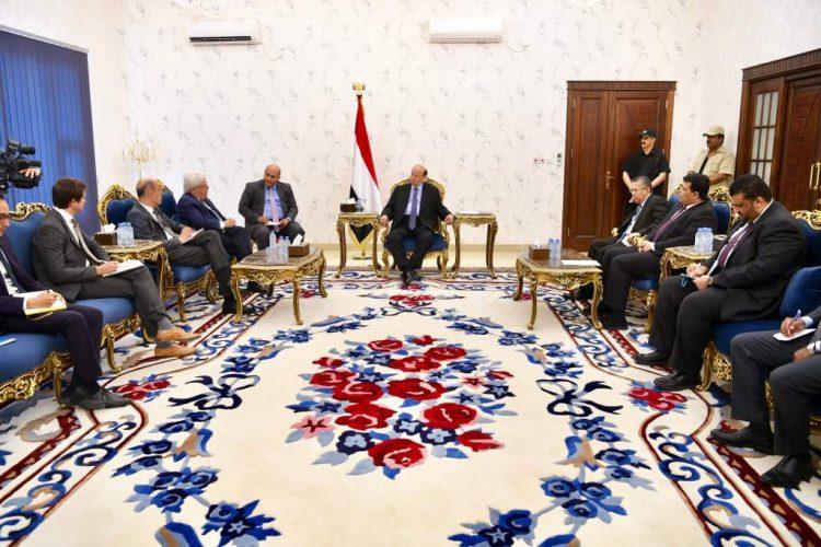 تفاصيل لقاء الرئيس هادي مع المبعوث الاممي مارتن غريفيث