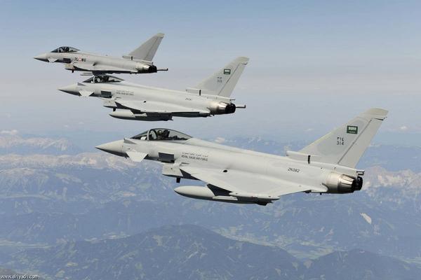 طيران التحالف العربي يشن غارات على مواقع مليشيا الحوثي في صعدة ويدمر منصة إطلاق صواريخ
